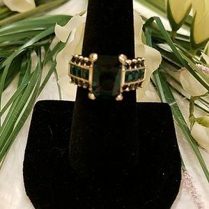 Jewelry - EMERALD GREEN CZ RING SIZE 7